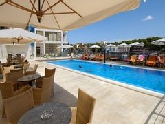 swimming pool Hotel Maxim